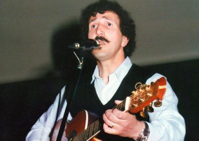 2002- Démocratie et cause amazigh dans la poésie de Aït Menguellet